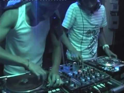 LLUVIS DJ EN VIVO  LA TACUNGA
