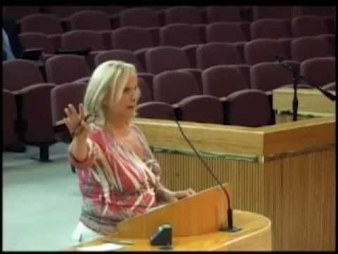 PENSACOLA MAYOR SUMMARILY DUMPS MINORITY AUCTIONEER AFTER 35 YEARS