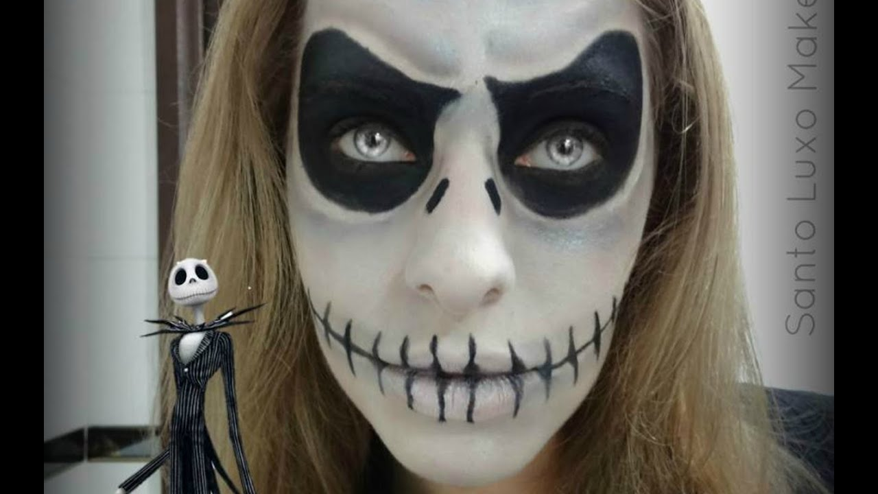 Halloween makeup half face skeleton