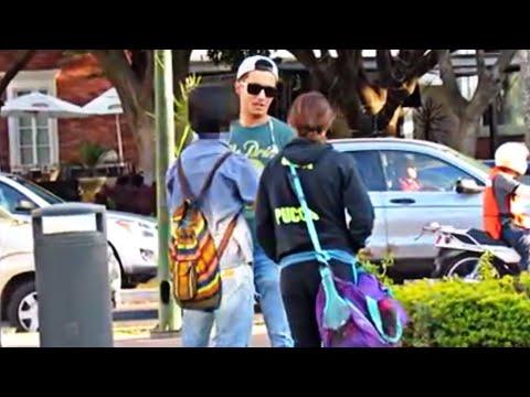 MOLESTANDO DESCONOCIDOS! | BROMA PESADA EN LA CALLE | VIDEOS DE RISA | Jacob Valencia