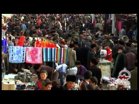Chiyal Bazaar. Oriental bazaars in Uzbekistan (Central Asia).