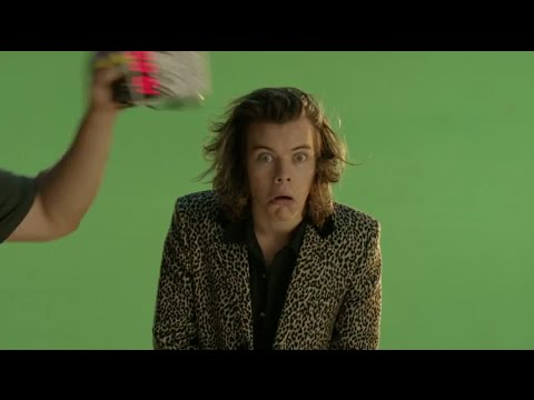 One Direction 'Steal My Girl' Behind The Scenes Teasers!