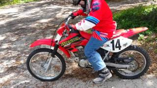 How to kick-start a 100cc dirt bike