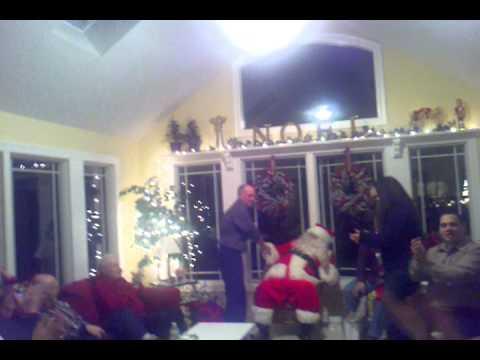 Pops Sings Oh Christmas Tree in German