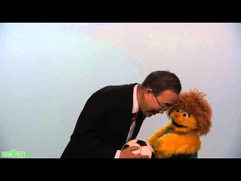 Sesame Street: Kami and UN Secretary General Ban Ki-Moon &#8211; Every Woman Every Child PSA