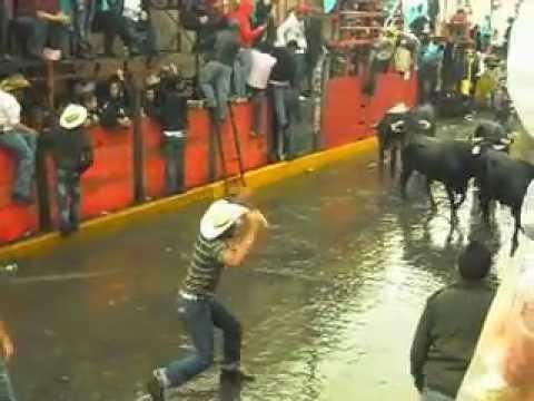 Huamantlada 2012 Cornada De Gravedad Impactante!!!
