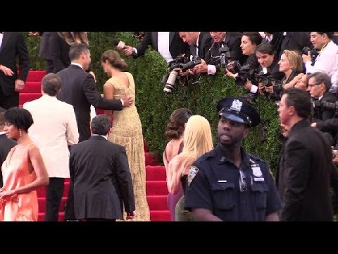 Solange Knowles entering  Met Gala 2014