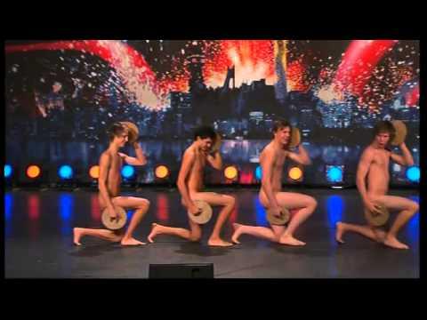 танцующие голые фото