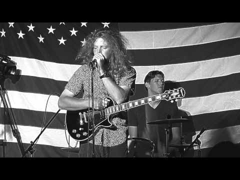 The Hot Moms - against The Grain video