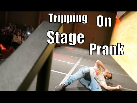 TRIPPING ON STAGE PRANK!