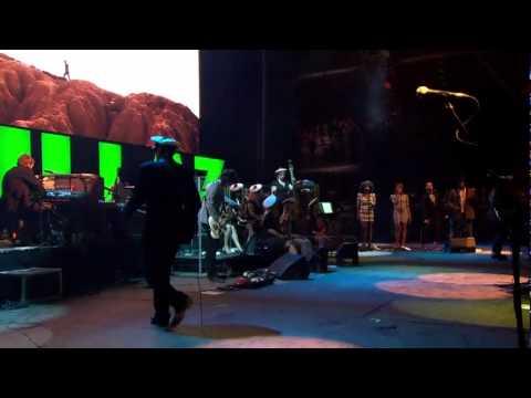 Gorillaz - Last Living Souls-Live at Glastonbury 2010
