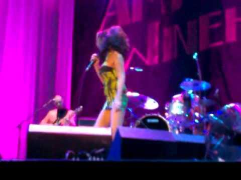 Amy Winehouse   Belgrade   Back To Black.mp4