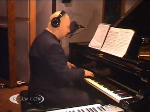"Johann Johannsson peforming ""Flight From The City"" on KCRW"
