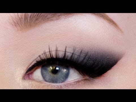 EASY CAT EYE TUTORIAL- How to elongate the eye