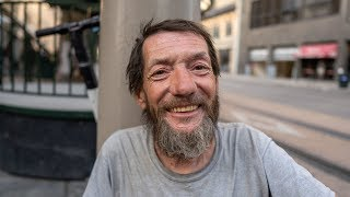 Video: Marvin, Denver, veteren, 16 years homeless. Marvin has cancer and multiple illnesses, survives on $230 a month - Invisible People