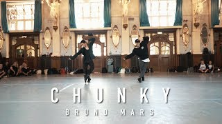 Download Lagu Ronni Morgenstjerne & Tobias Ellehammer Choreography / Chunky - Bruno Mars Gratis STAFABAND