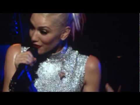 Gwen Stefani - Magic