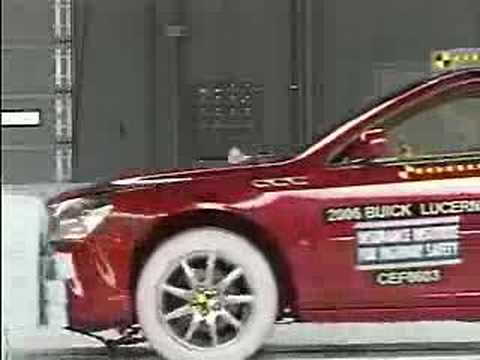 Crash Test 2006 - Present Buick Lucerne / Cadillac DTS (Frontal Impact) IIHS Video