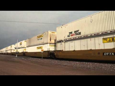 BNSF intermodal at Parks AZ, 30MAR13