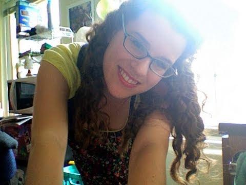 How to Manage Curly Hair - The Curly Girl Method | Como Cuidar los Rizos - El Método Curly Girl