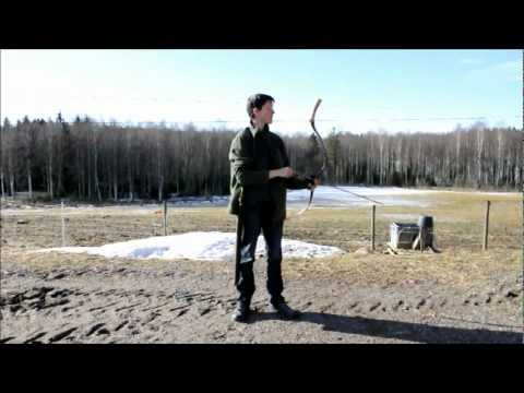 Traditional archery with mongolian bow and thumbdraw.wmv
