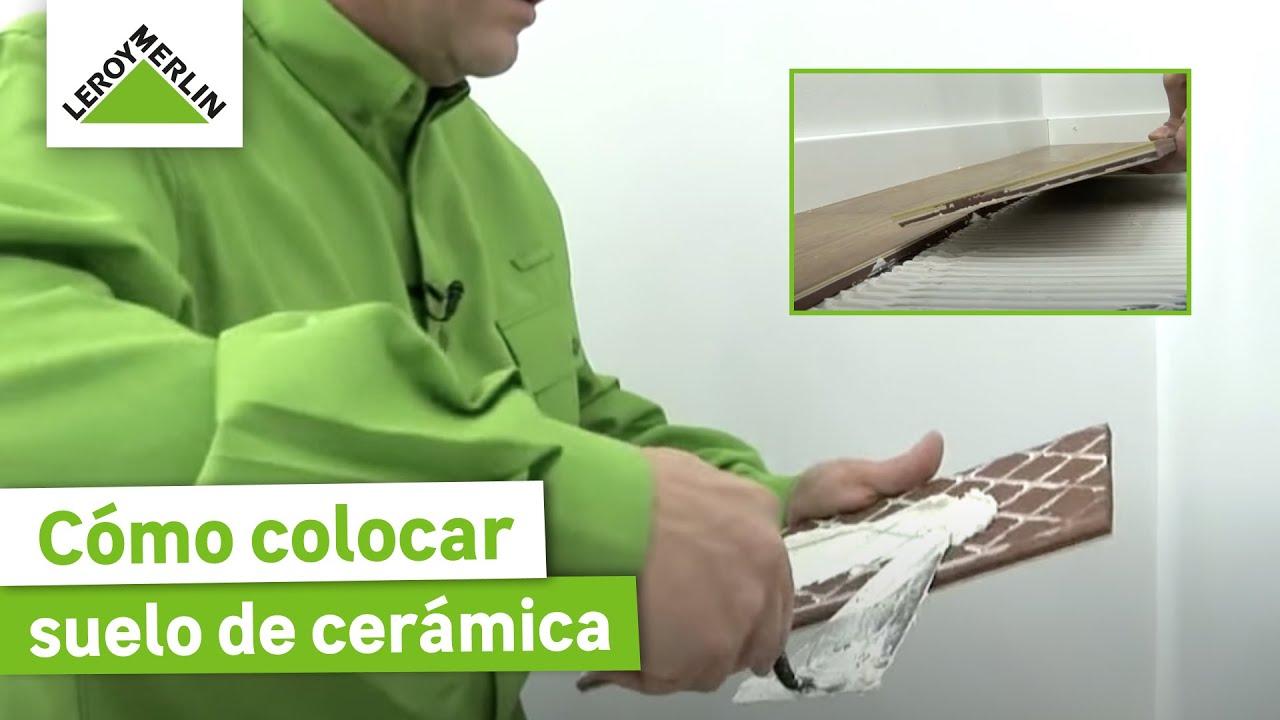 Colocar suelo de cer mica con aspecto de madera leroy for Como colocar ceramicos en un bano