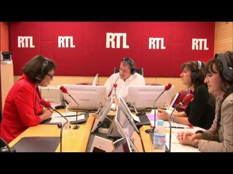 """""""François Hollande est acclamé à l'étranger"""", analyse Alexandra Szacka"""
