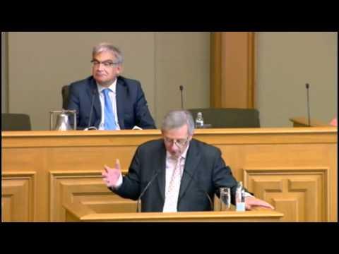 Sträitgespréich tëschent dem Gast Gibéryen an de Jean-Claude Juncker: Eurochef a Staatsminister?
