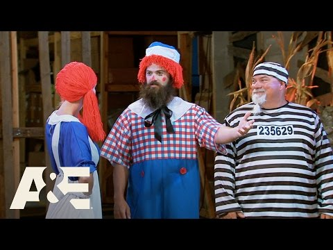 Duck Dynasty: The Art of Halloween Costumes | A&E