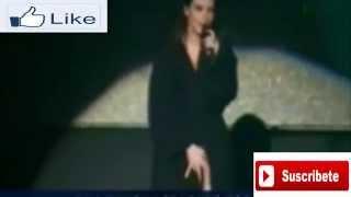 Laura Pausini Destapada En Pleno Concierto