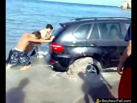 Une voiture à la mer FAIL