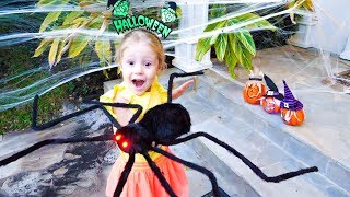 Настя украсила дом на Хеллоуин