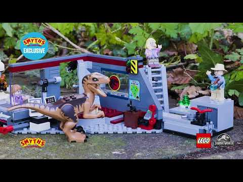 Watching video LEGO Jurassic World Jurassic Park Velociraptor Chase - Smyths Toys Exclusive