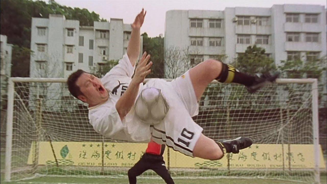 """Шаолиньская команда уничтожает своих соперников! - """"Убойный футбол"""" отрывок из фильма"""