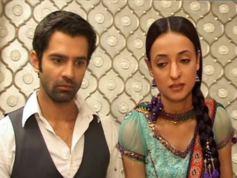 Khushi goes MISSING in Iss Pyaar Ko Kya Naam Doon 1st March 2012