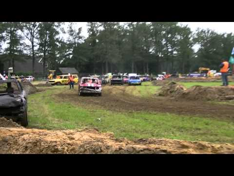 Crazy  car crash Bentelo 3 juli 2011 (Bangers heat 1)