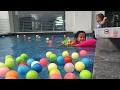 Zara belajar renang di kolam penuh bola warna warni 😍 staycation at Grand Zuri BSD part II