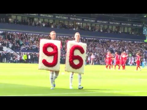 Darren Fletcher and Rickie Lambert lay a floral tribute in front of the Liverpool fans #JFT96