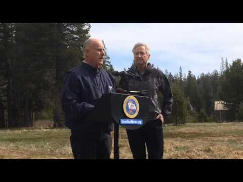 Jerry Brown orders mandatory water reductions amid drought