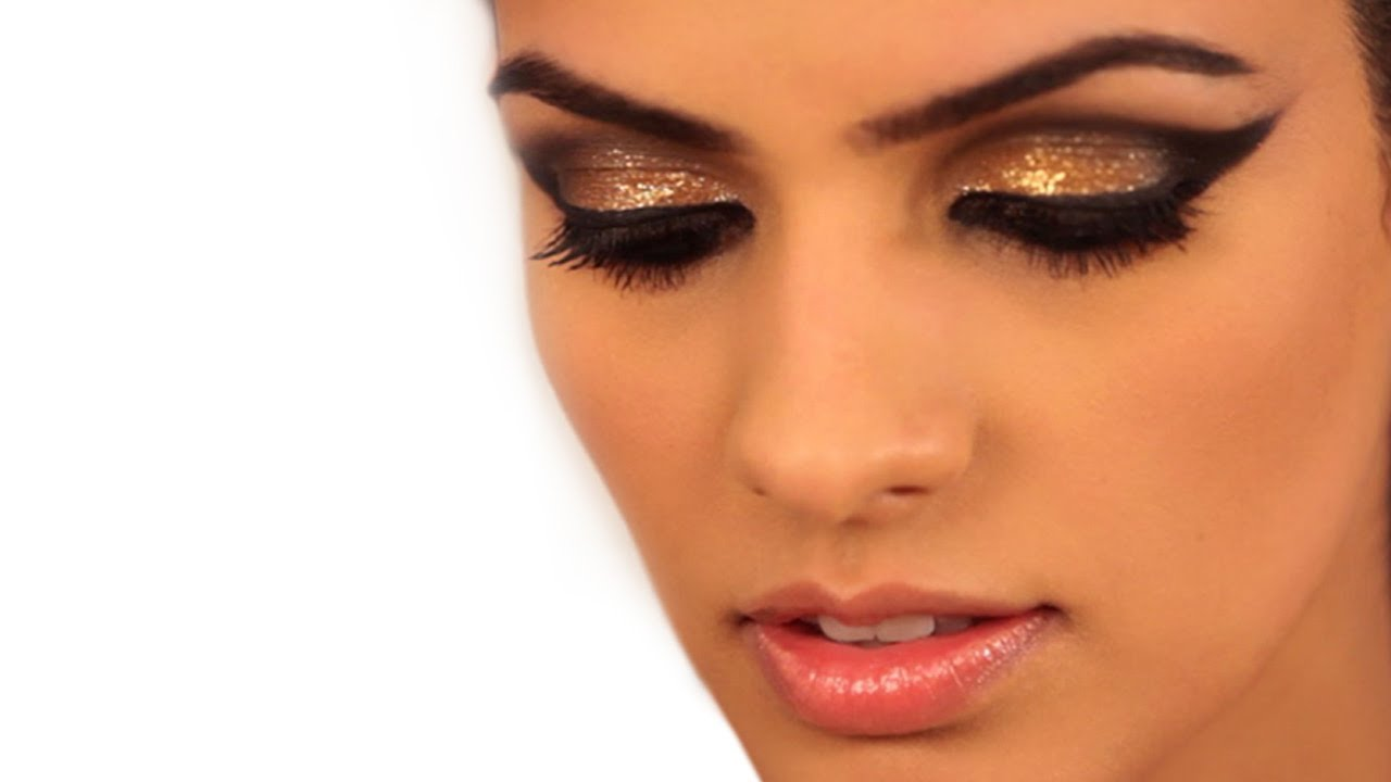 Makeup Metallic Gold Cat Eye