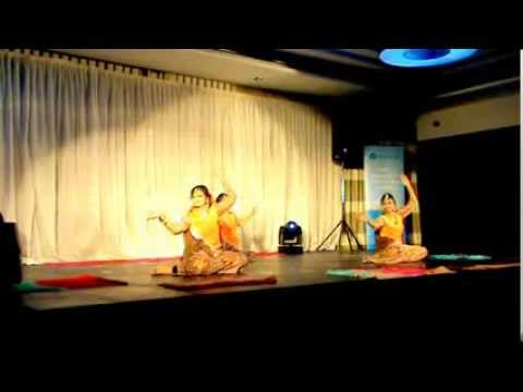 Mujhe Rang De Dance  Ssag 2013 (lavanya Siva, Mohana Ramesh And Sabreen Seydian) video