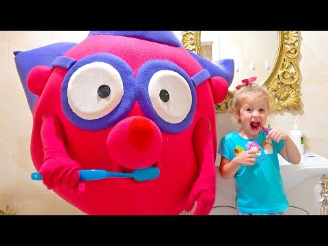 Cute Kid and Funny Giant Toy - Morning Routing. Video for kids