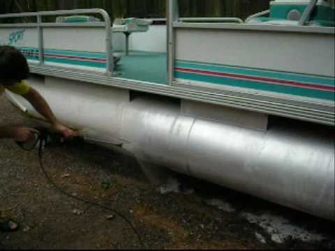 how to clean painted aluminum boat