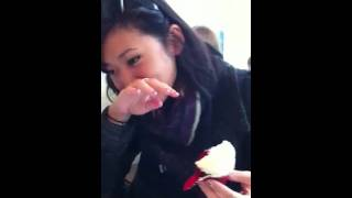 How to Eat a red velvet cupcake from Magnolia Bakery