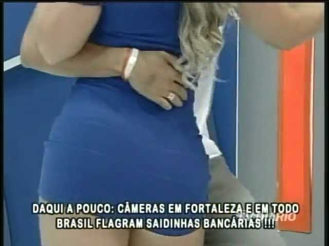 Ênio Carlos 15 04 2012   Mari de vestido azul colado
