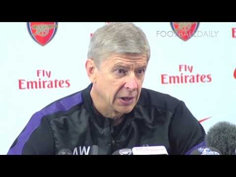 Arsene Wenger in no hurry to sign new contract