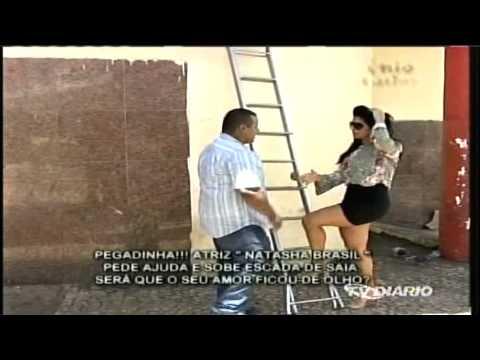 Enio Carlos 18-05-14 - Pegadinha da escada - Natasha Brasil