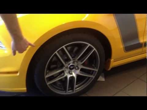 2014 Ford Mustang Shelby GT500 vs. 2013 Boss 302 Laguna Seca - Colorado Springs
