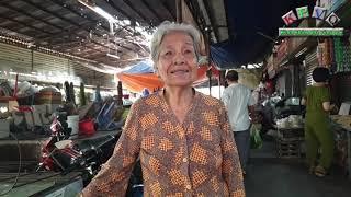 Tấm lòng hiếm có: Bà cụ chăm lo cho ông lão 90 tuổi vô gia cư như người thân trong nhà