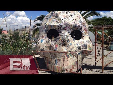 Instalan megaofrenda en el Zócalo de la Ciudad de México / Vianey Esquinca